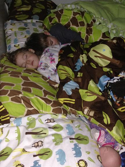 sleeping-kiddos